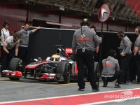 McLaren throw support behind Bahrain cancellation