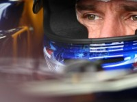 Vettel takes emphatic pole in Australia