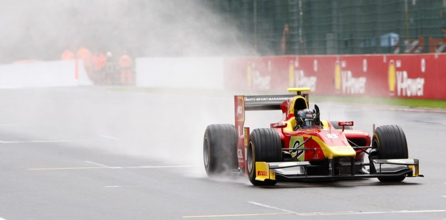 Vietoris wins Spa race 1, Grosjean champion