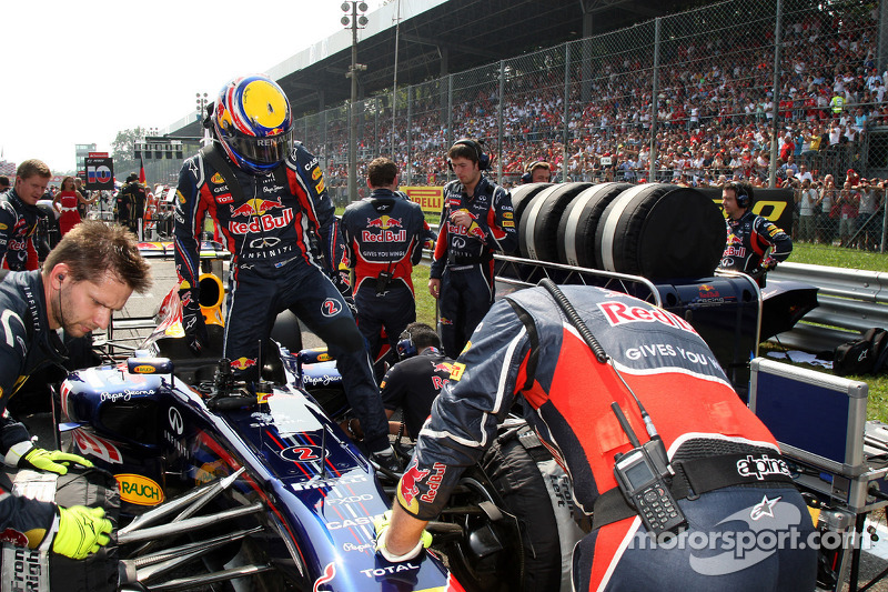 Red Bull in strong position for Singapore GP