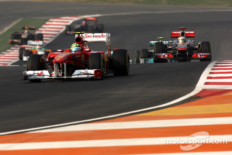 Ferrari to 'analyse' front wing fluttering
