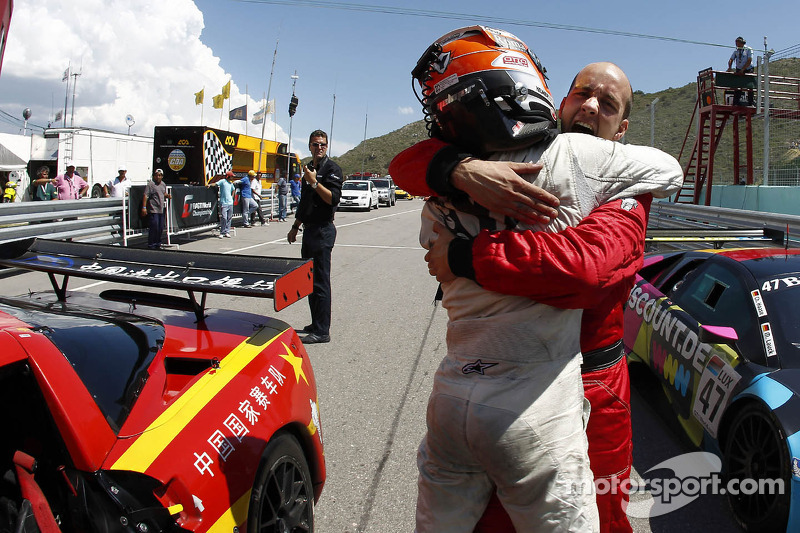 Corvette wins finale in Argentina, Hexis wins Team title