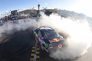 NASCAR Sprint Cup Kasey Kahne gets win for RBRT at Phoenix II