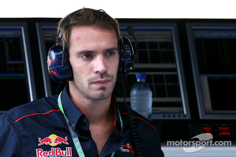 Scuderia Toro Rosso confirms all-new driver line-up for 2012