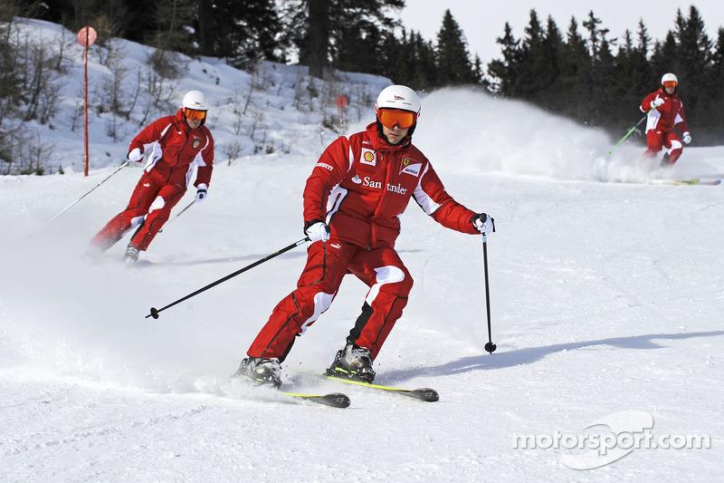 Ferrari to decide Massa's future by mid-2012