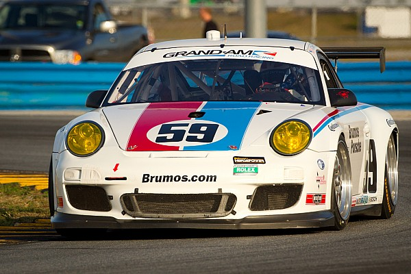 Porsche's Andrew Davis takes GT pole at Daytona 24H