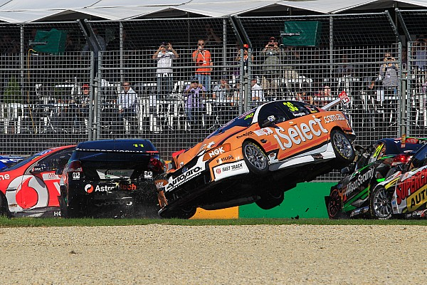 Carnage At Albert Park In Race 3