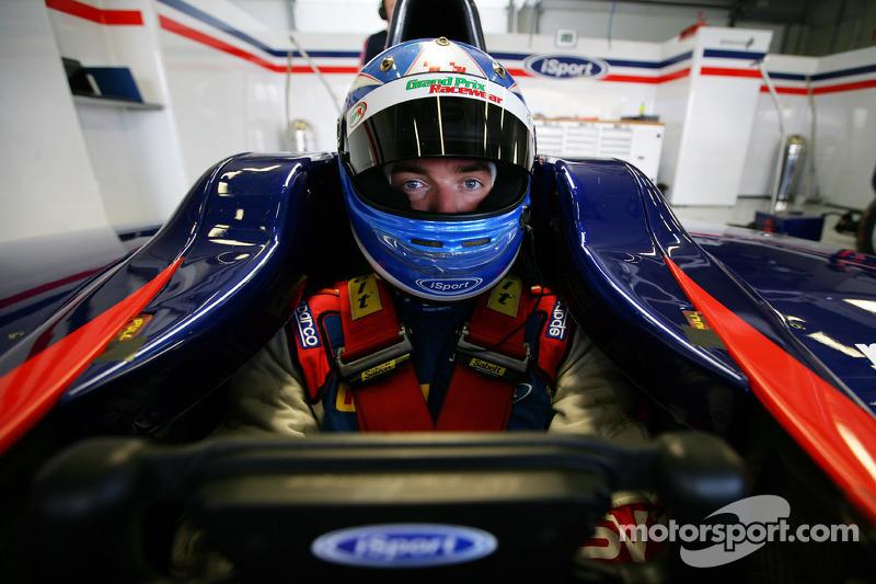 Jolyon Palmer eyes podiums at opening GP2 weekend in Malaysia