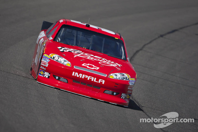 Kurt Busch brings home top-10 finish at Fontana