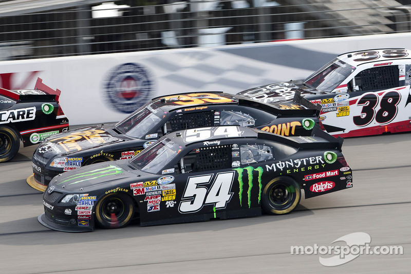Kyle Busch claims top-10 finish in Fontana 300 race