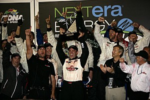 NASCAR Truck Red Horse Racing suspends program for 2012 Daytona winner