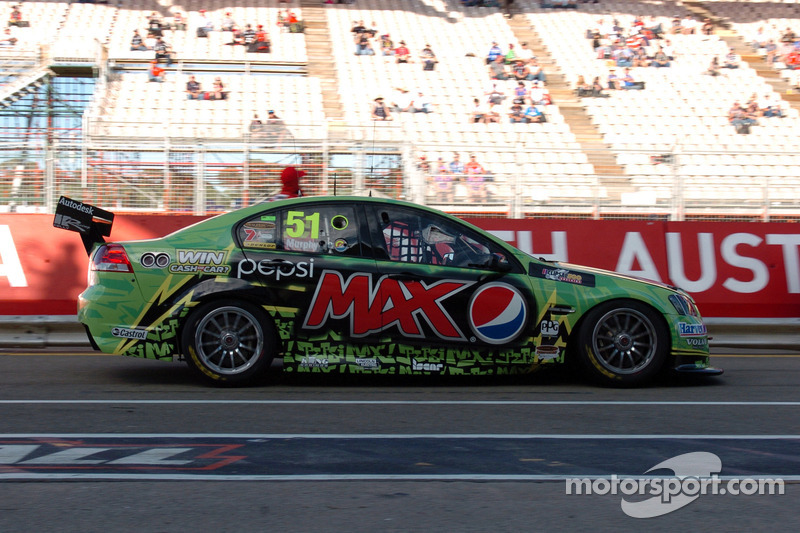 David Russell tabbed to replace injured Greg Murphy at Darwin