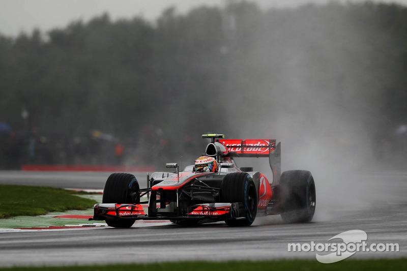 Grosjean, Hamilton hydroplane to top spots in British GP practice