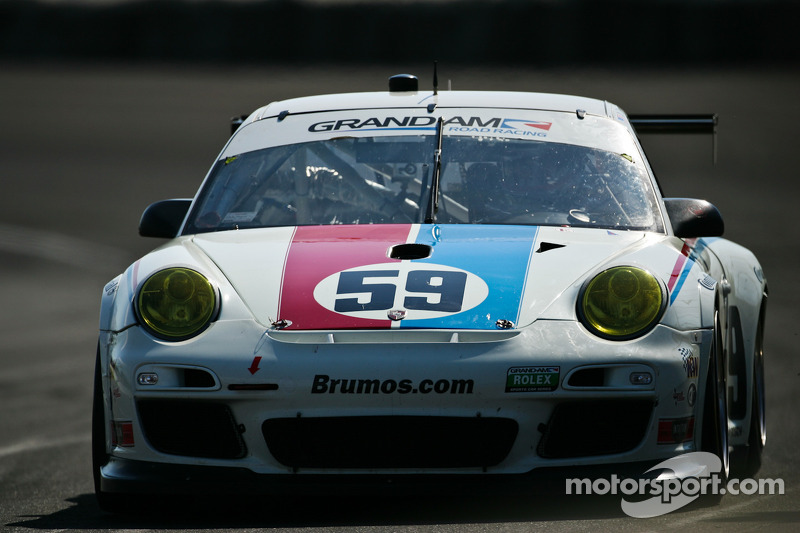 Porsche cars show speed at Montreal, take front row spot