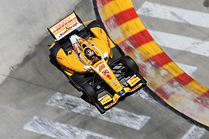 Will Hunter-Reay's decision be a bigger story than the Championship?