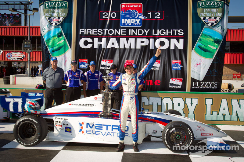 Vautier claims championship as Munoz takes Fontana victory