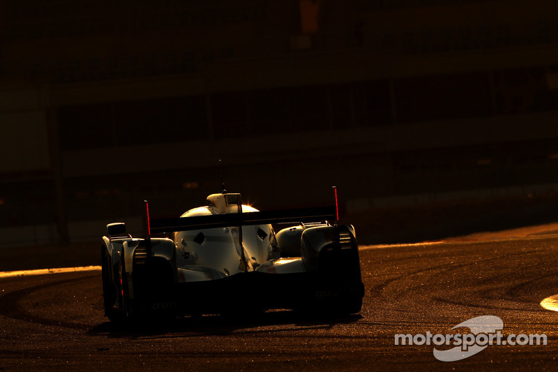 Audi and Toyota trade lap times on Thursday's practice at Bahrain