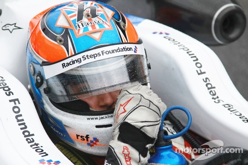 Harvey on top in final Donington F3 test