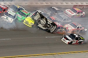 Stewart's shot at victory derailed at Talladega