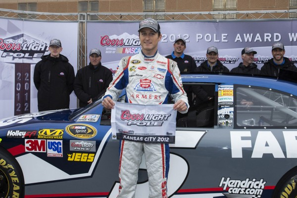 Kahne blazes to pole at repaved Kansas Speedway