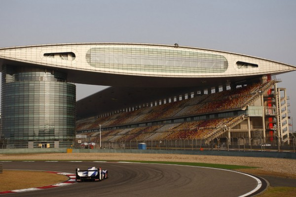 Wurz waltzes ahead in Shanghai on Friday practice day in China
