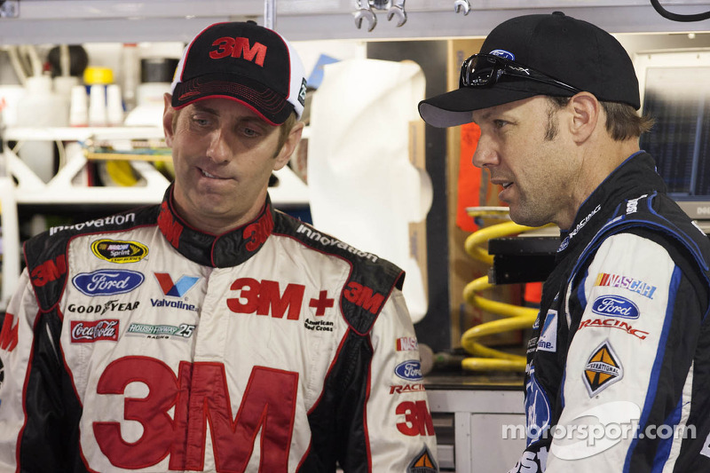 Biffle, Kenseth stay in top 10 heading to Phoenix 500