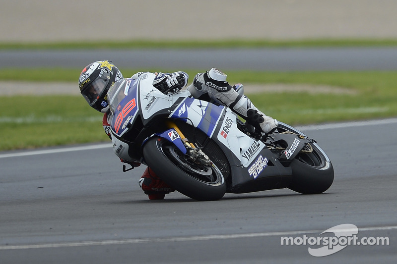 Yamaha signs off 2012 in Spain