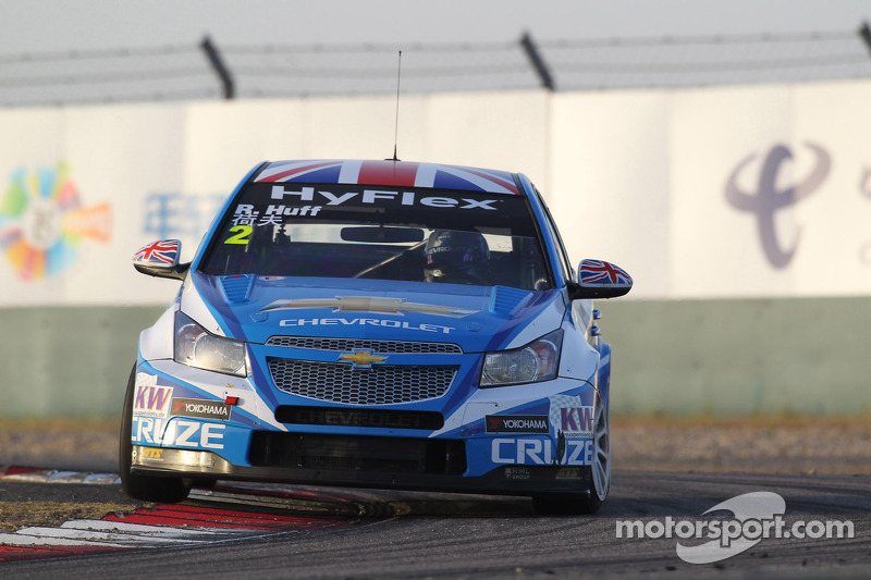 Chevrolet claims top spots in Macau