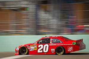NASCAR Sprint Cup Qualifying report Logano takes pole at Homestead for season finale