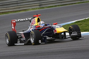 Sainz Jr quickest again on day two testing in Estoril
