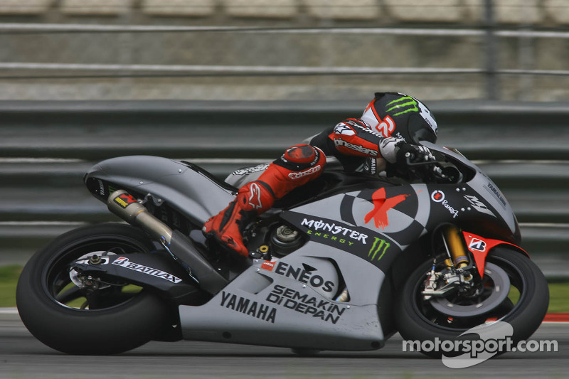 Rain hampers return to Sepang testing for Yamaha on first day