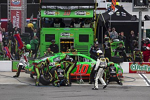 NASCAR Sprint Cup Race report Danica Patrick survives Bristol, finishes 28th