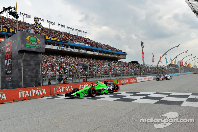 Hinchcliffe wins on streets of Sao Paulo to claim second IndyCar series career victory