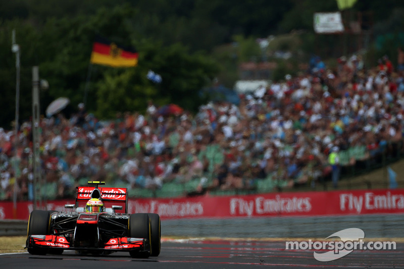 Pérez qualified in 9th, Button will start from 13th position at Hungaroring
