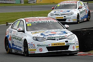 BTCC Qualifying report Tordoff takes maiden career pole from team mate Plato at Snetterton