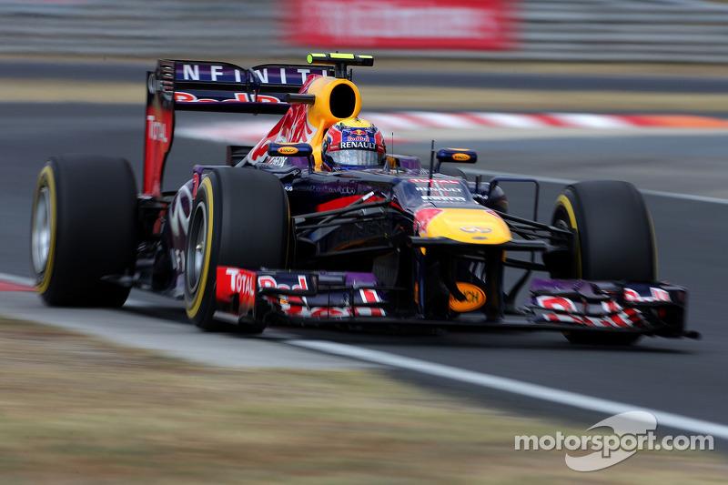 Formula One teams 'still sniffing around' - Webber