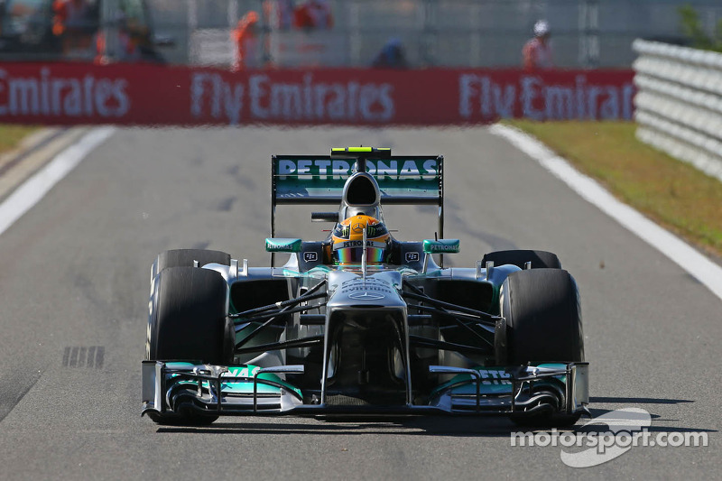Hamilton and Rosberg completed Friday practice for the Korean GP in first and third positions