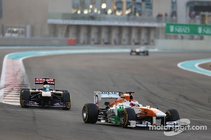 Sahara Force India is top ten in the Abu Dhabi Grand Prix
