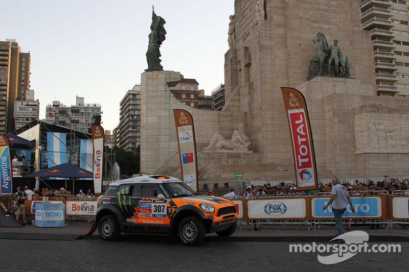 Successful start into the Dakar: Five MINI ALL4 Racing in the top 10