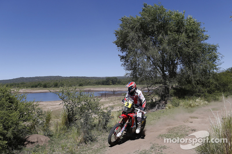 Barreda defends overall lead at stage two