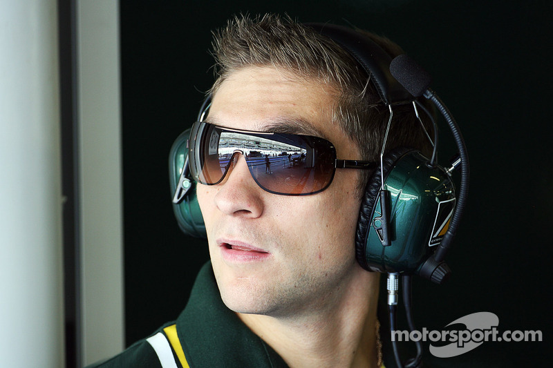 Petrov tests DTM car