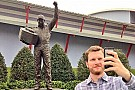 Earnhardt gaining ground, on Twitter