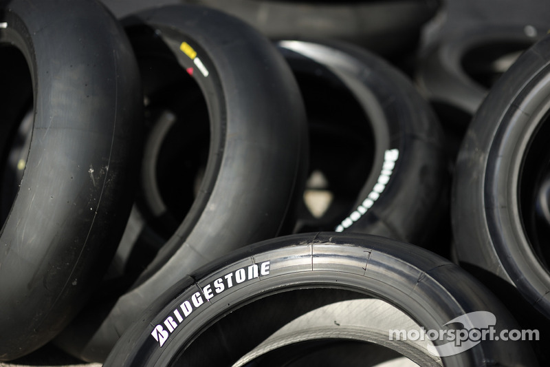Bridgestone introduces new slick tyre marking system for 2014 season