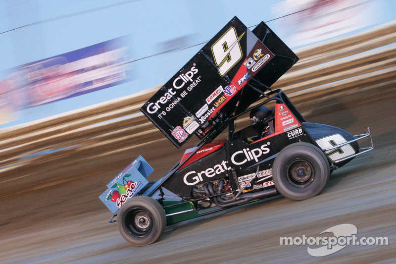 Pittman surges to his first World of Outlaws victory of season