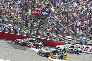 Kurt Busch finishes third at Fontana