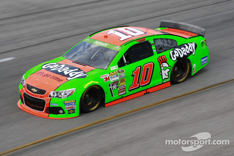 Danica Patrick Finishes 22nd at Talladega