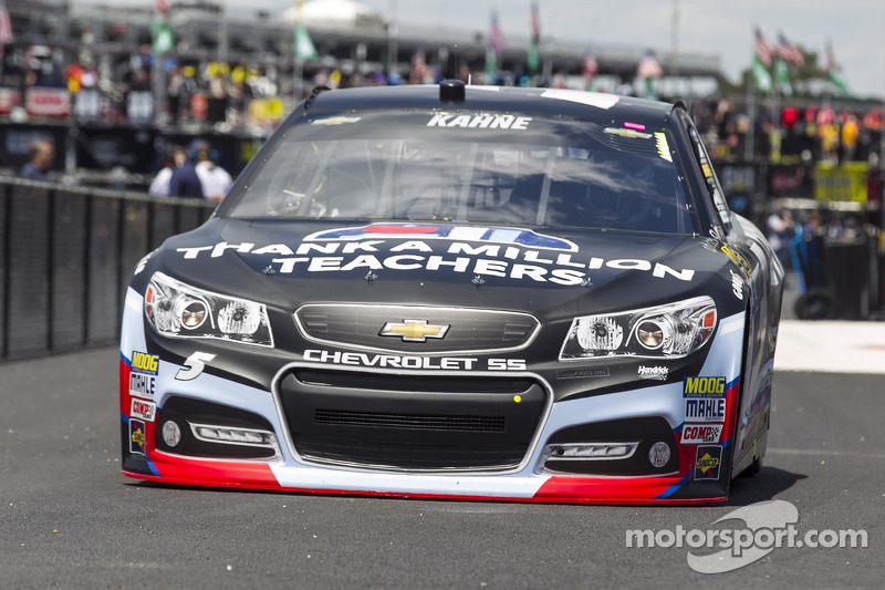 NASCAR fines Kahne's Crew Chief Kenny Francis for qualifying violation