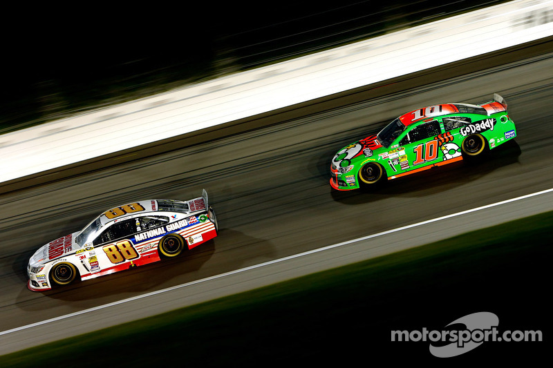 Danica Patrick records career-best Sprint Cup 7th-place finish at Kansas Speedway