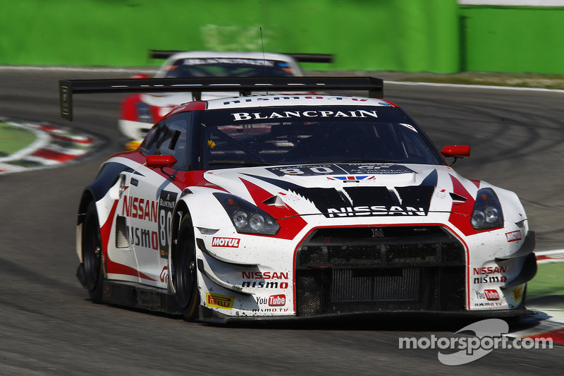 Nissan takes Pro-Am victory at Silverstone
