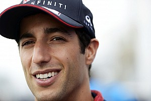 Ricciardo reprimanded after FP1 violation